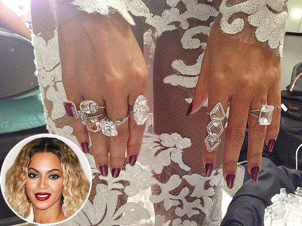 Think Lady B can SERFBORT with this gleaming ring party?